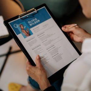1 evas closet basic resume copy